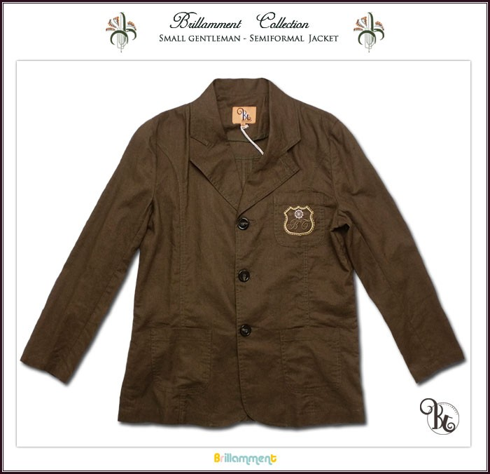 子供服 卒業式や結婚式のお呼ばれにどうぞ!高級仕立ての上品なテーラードジャケットは完壁な着心地とフォーマルに映える高級感で紳士の気品を身に纏う。